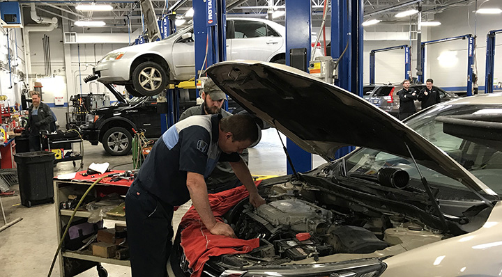 Service Department at Denny Menholt Rushmore Honda in Rapid City, SD
